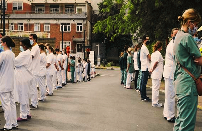 Protest tăcut al personalului medical din spitalul belgian Saint Pierre