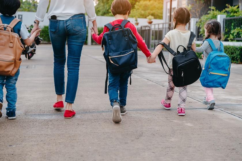 Administrația britanică vrea redeschiderea școlilor primare de la 1 iunie
